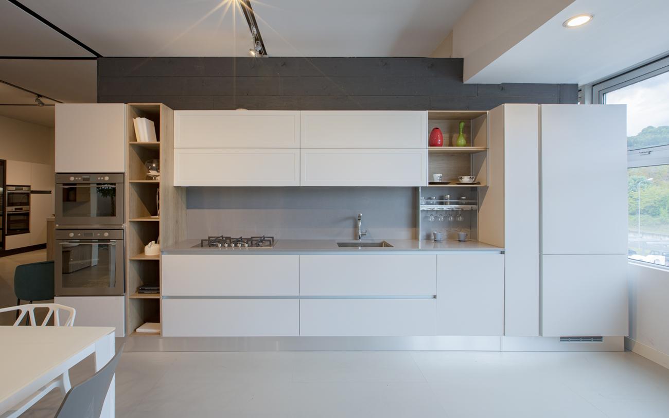 Cucina lineare anta gola - Occasioni di mostra Urbino